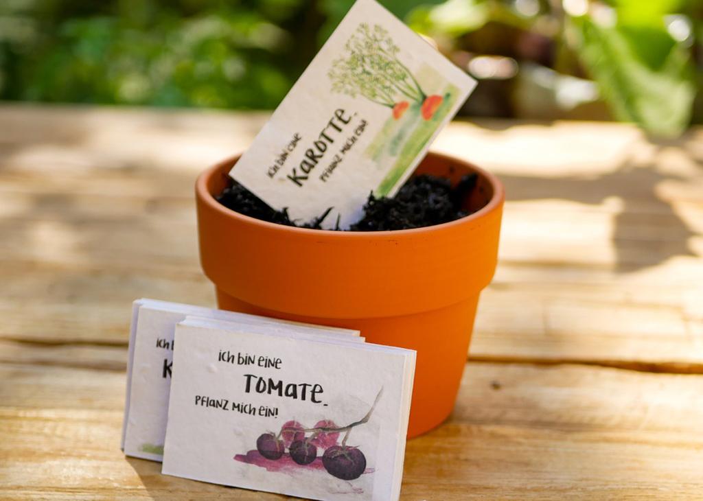 einpflanzbare Visitenkarten aus Samenpapier von primoza