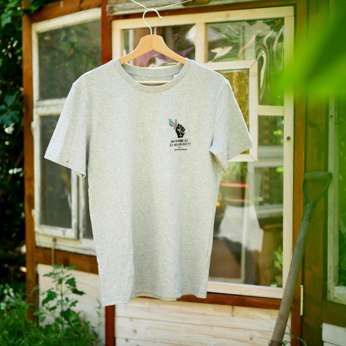 """Vorderseite vom grauen T-Shirt mit Motiv """"Wo ein Wille ist, ist auch ein Beet"""". Für Gartenarbeit und Urban Gardening."""